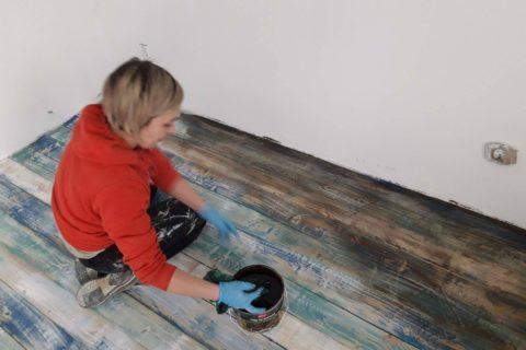 Bejcowanie drewnianej podłogi