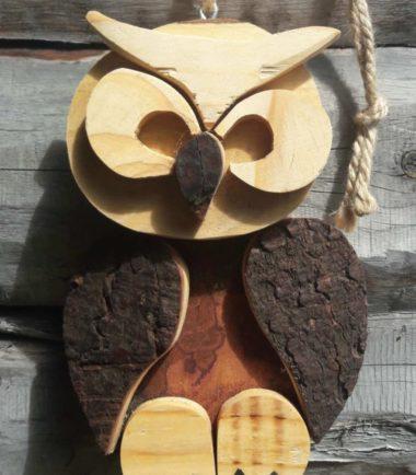 drewniana sowa na ścianę