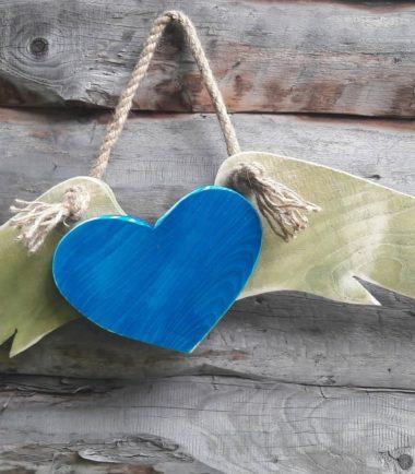 Drewniana zawieszka na ścianę anielskie skrzydła