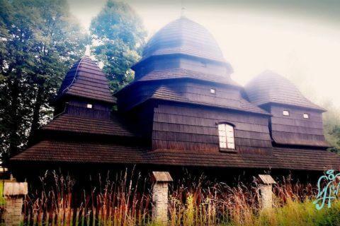 Drewniana cerkiew w Równi