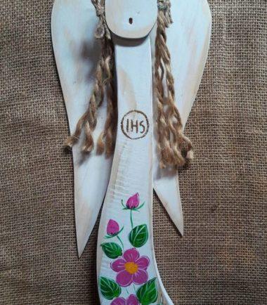 pamiątka komunii świętej drewniany anioł ręcznie malowany