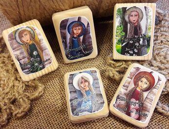 drewniane magnesy na lodówkę- kolekcja anielska