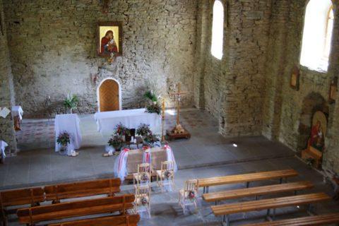 Cerkiew w Łopience- dekoracja kościoła na ślub