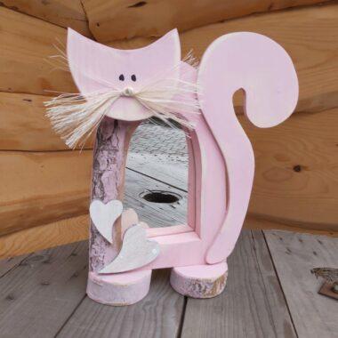 Różowy kot lusterko